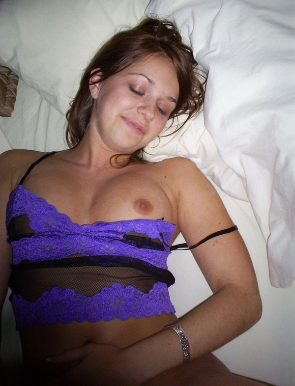 More Amateur Girls on the bed; Amateur Babe Other Hot College