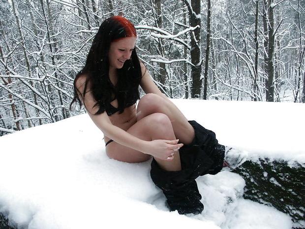 Секс лесу зимой