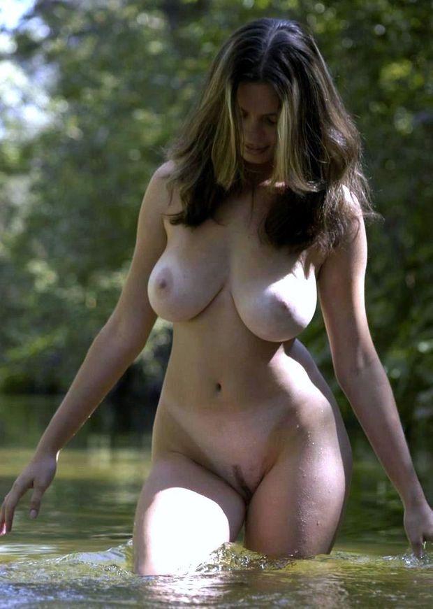Фото голых девушек красоток с большими формами