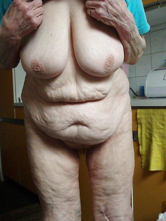 Сиськи старых женщин фото