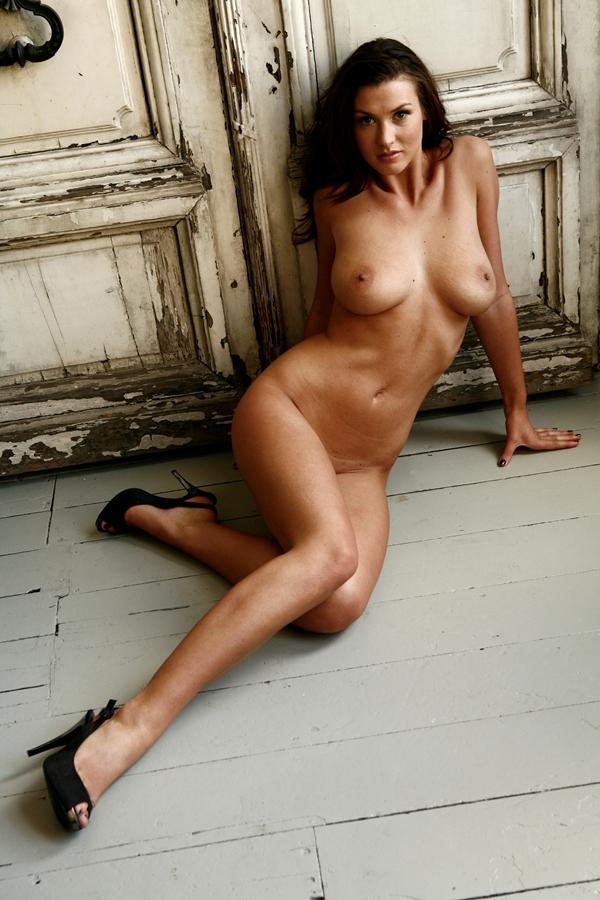Фото голая элис гудвин