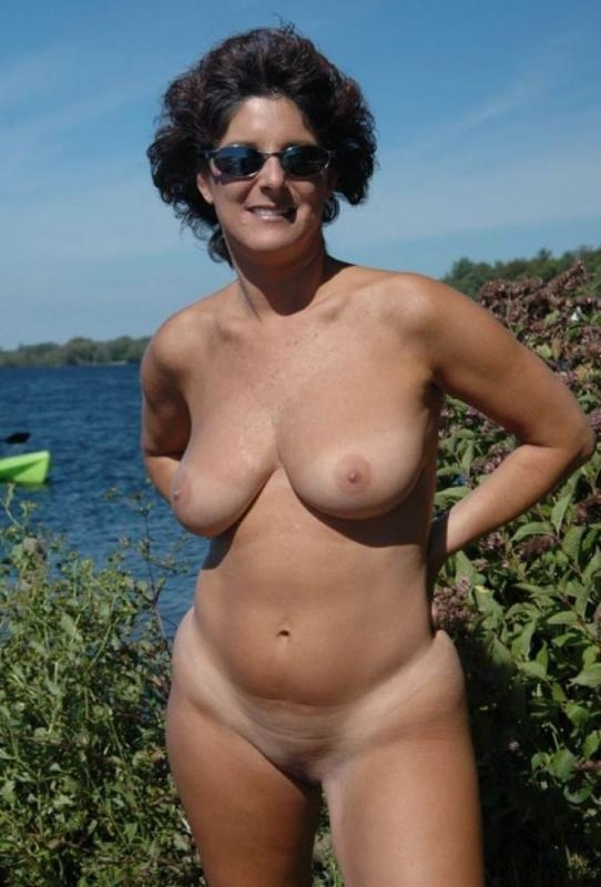 Boobs On Beach Topless Pics Amateur