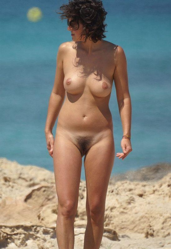 Boobs on Beach - Very Hot Beach; Amateur Beach