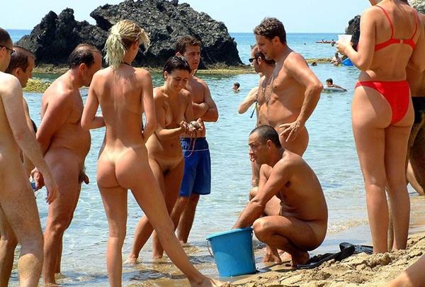 нудисты на пляже фотогалерея