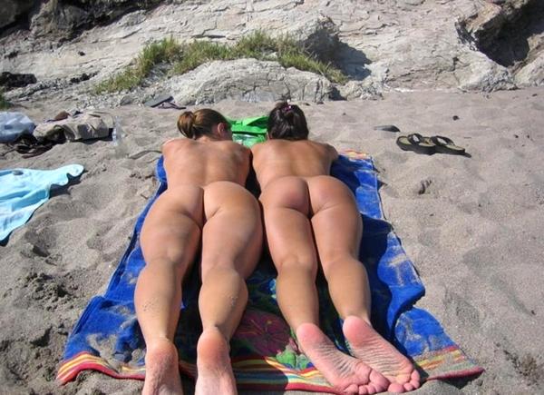 фото задница нудиста