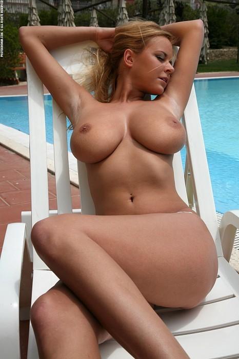 photo-Babe-Big-Tits-290608751.jpg