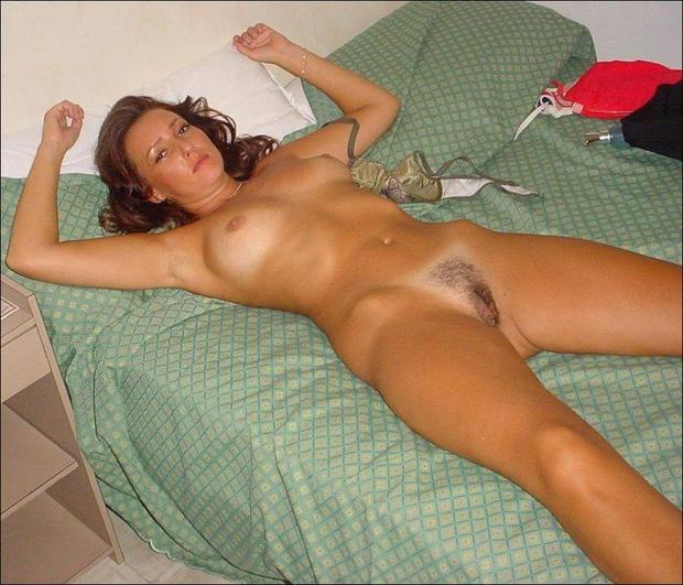Skinny old black milf