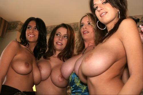 смотреть фото девки с большими сиськами