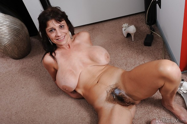 Ebony milf boobs saggy pussy hairy are teases